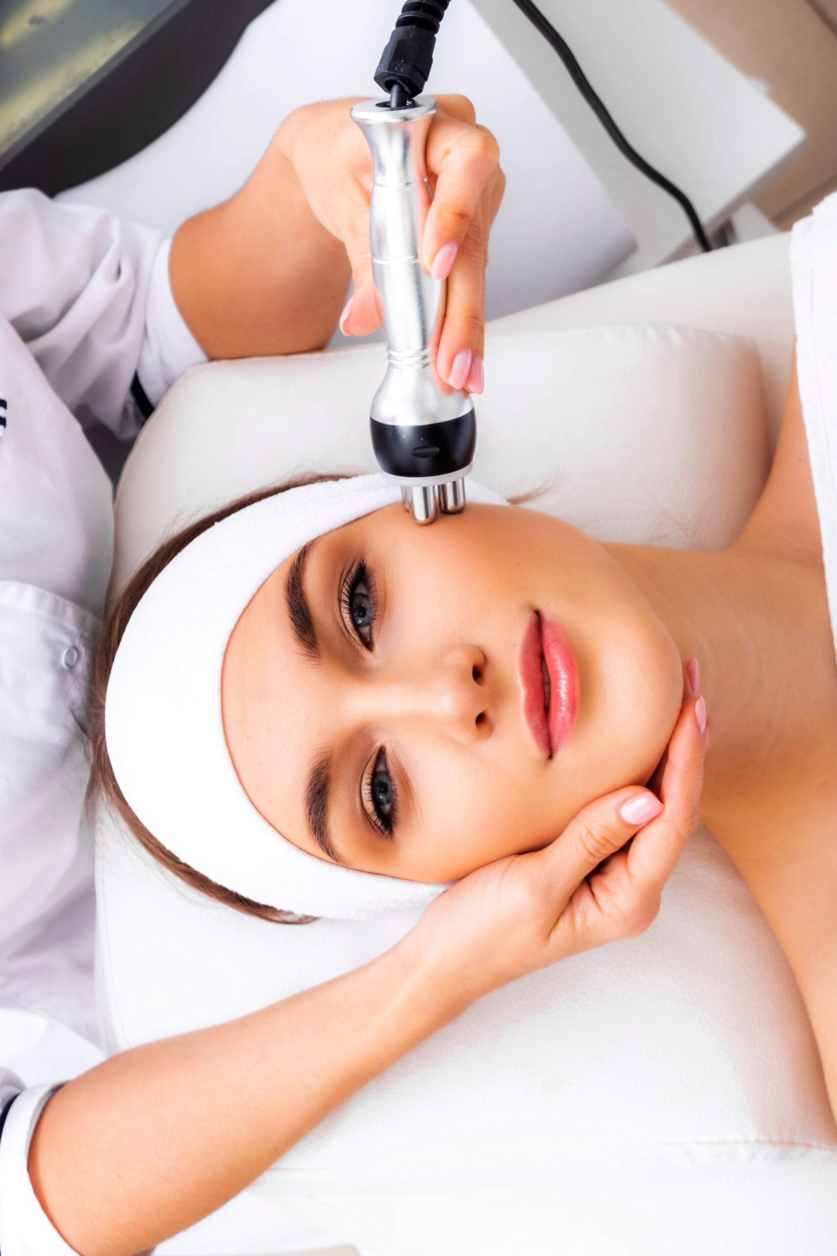 Radio,Wave,Face,Lifting,In,A,Cosmetology,Clinic,Photo.,Skin